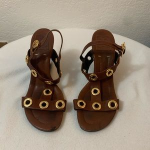 TORY BURCH Kathryn Brown Leather Gold Rivet Wedges
